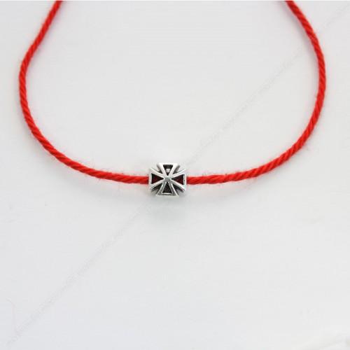 Красная нить с шармом - малый Крест