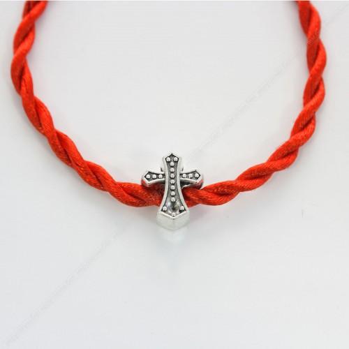 Красная, шелковая нить - Защитный крест